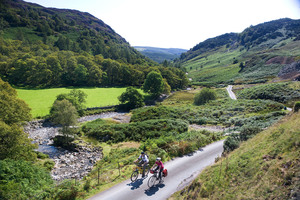 Cycling through the Tilberthwaite valley near Coniston (c) Ben Barden and Cumbria Tourism