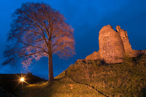 Kendal Castle at night (c) Ben Barden and Cumbria Tourism
