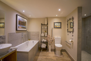 The Carriage House's spacious Bathroom